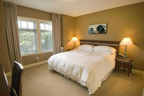 King-Signature-Ensuite-Garden View - Breakfast Included