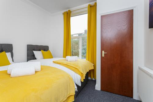 Flat 2 - Family/Business Suite