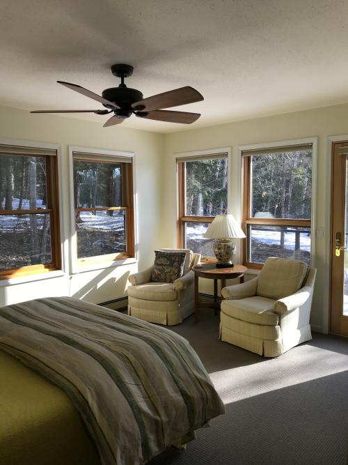 Single room-Private Bathroom-Queen-Woodland view-Ironwood - Base Rate