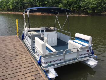 Boat-Wet room-Standard-Lake View-18' Landau Pontoon Boat