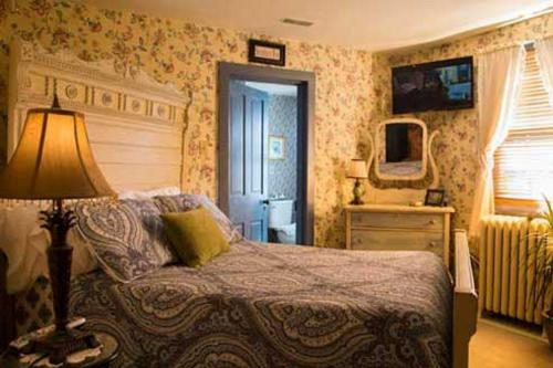 Double room-Ensuite-The George Wheaton Room