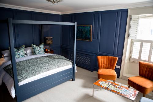 RX2 - Designer Double Room