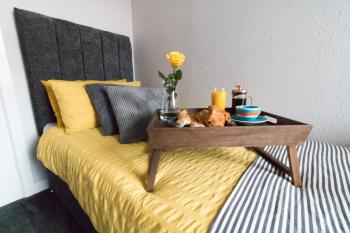 Ideal Home Away in Bury - Private single bedroom for a great peaceful nights sleep