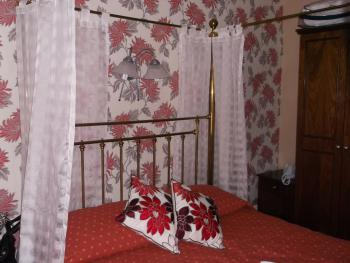 Four Poster-Double room-Ensuite with Shower - Base Rate