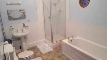 Ty Pen Bathroom
