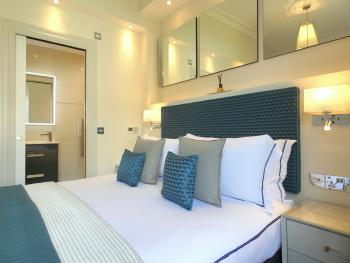 Superior King En-suite Ground Floor Room