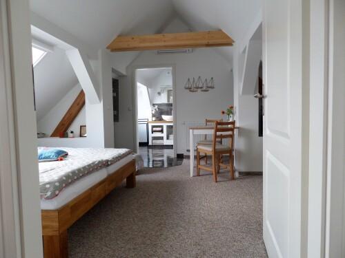 Ferienwohnung-Apartment-Eigenes Badezimmer-Gartenblick-Ferienwohnung 3