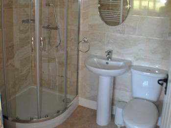 Holiday Cottage Bathroom