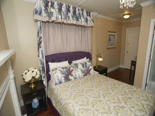 The Manor 115 Queen (no p-Double room-Ensuite-Standard - Base Rate