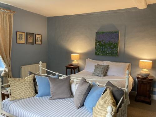 Double room-Ensuite-Temple Suite - Base Rate