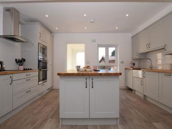 Inspire Homes – Tunlaw Holiday Cottage - Breakfast kitchen