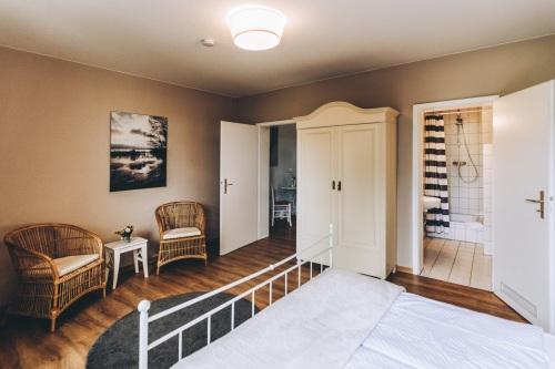 Dreibettzimmer-mit Verbindungstür-Eigenes Badezimmer