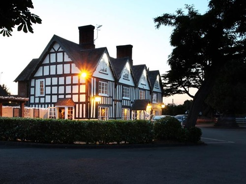 Broom Hall Inn | Stratford-Upon-Avon | Dusk