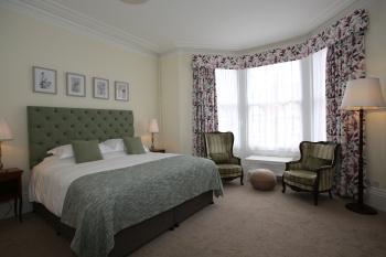 Room 4 - Super kingsize bed