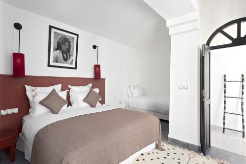 Suite-Premium-Salle de bain et douche-Grenat - Tarif de base