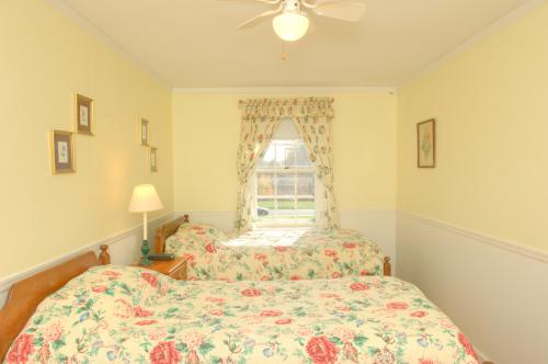 C3 Carriage House  -2 twi-Twin room-Ensuite-Countryside view