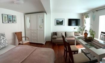 Apartment-Eigenes Badezimmer-Blick auf den Hof - MyWeb