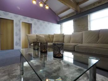 Castle Hill Suite living area