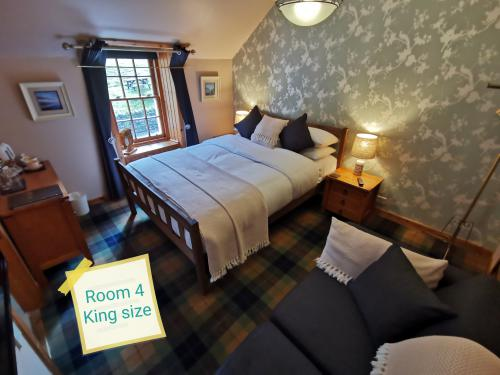 Double room-King-Ensuite with Shower-Woodland view-Room 4 - Base Rate