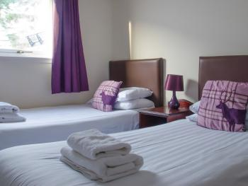 Twin room-Economy-Ensuite