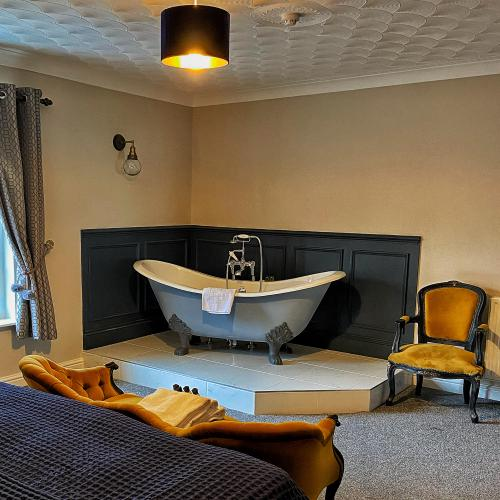 Suite-Superking-Ensuite with Bath