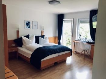 Doppelzimmer-Standard-Eigenes Badezimmer-Blick auf den Hof - Standardpreis