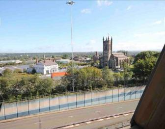 Salford Apartment with beautiful views -