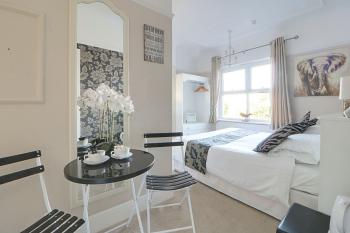 Superior-Double room-Ensuite with Shower