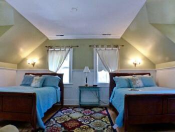 Hale Room - 2 Queen Beds