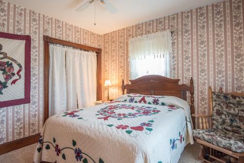 Room 3-Queen-Ensuite-Standard