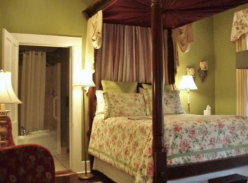 Double room-Queen-Ensuite with Jet bath-Garden View-1st Floor