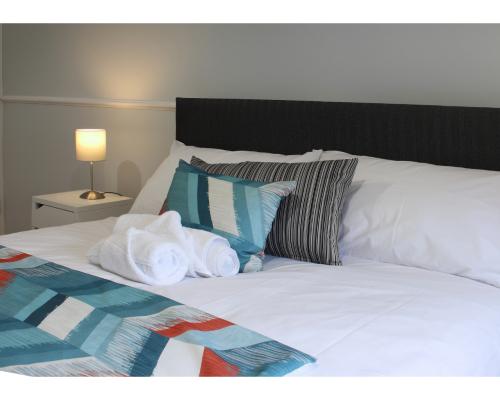 Apartment-Superior-Private Bathroom-McQuaid Suite - Base Rate