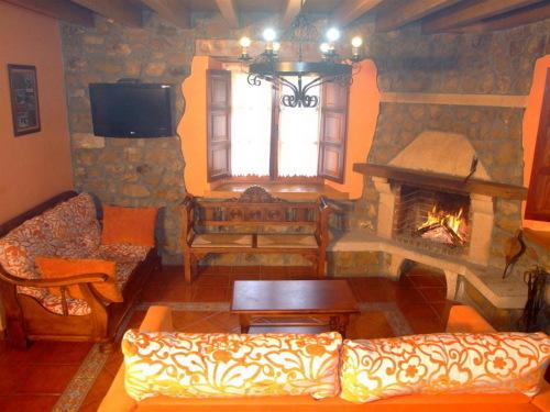 Casa-Rural-Baño Privado-Vista a la Montana-3 Dormitorios - Tarifa Base