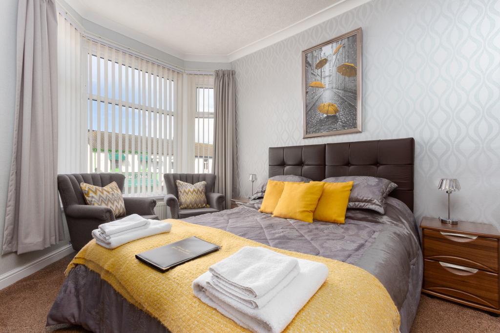 Superior Double Room - En-suite  king size bed Frist floor