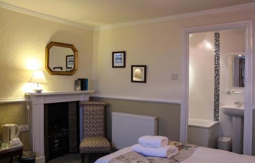 Twin room-Ensuite-First Floor Sea View