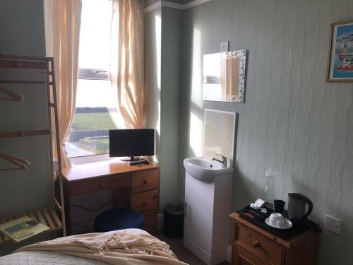 Single room-Private Bathroom-With Shower-Sea View