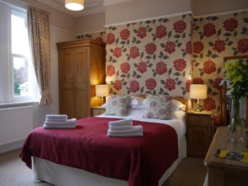 Double room-Classic-Ensuite with Shower-Landmark view - Breakfast included