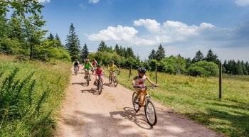 location de vélos éléctriques, reporque enfants , sièges enfants