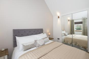 2 Wee-Kalf King size relaxing bedroom