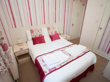 Room 3 is on the ground floor and is a lovely double room with en-suite 1