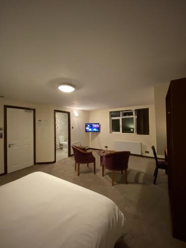 Room 4 Room View