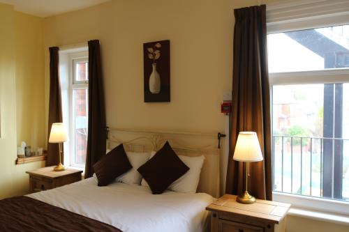 Room 1-Double room-Superior-Ensuite with Bath-Sea View - Breakfast inc