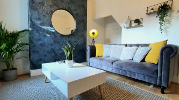 The Cosey House – Carlton & Co Apartments *Free Parking - sofa