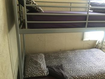 Double room-Shared Bathroom- (Bunk Beds)