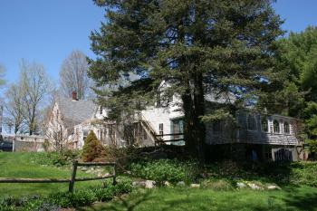 Le Vatout - a traditional New England farm house