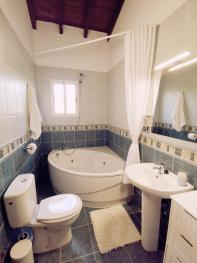 Ensuite bathroom in the willow room