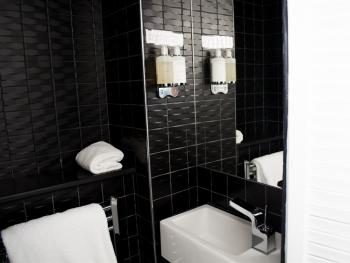 Cosy Double | Orchid | Bathroom