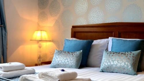 Triple room-Ensuite-King + Sofa Bed