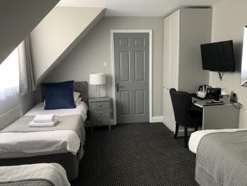 Sleeps 3 (with ensuite shower room)