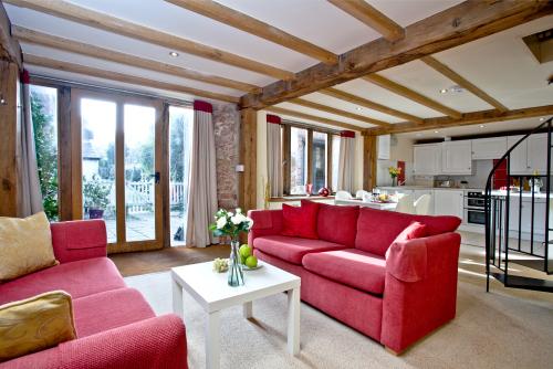 Award Winning Honeysuckle-Cottage-Luxury-Private Bathroom-Courtyard view - 7+ night stay